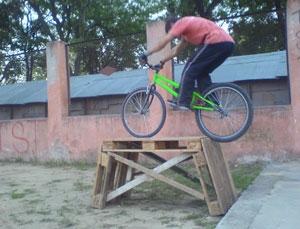 Велотриал: препятствия создаем сами