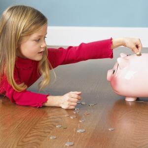 Как научить детей ценить деньги