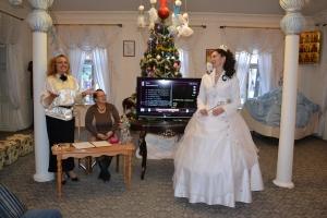 Местных краеведов поздравила Снежная Королева