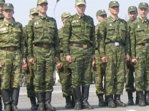 Кто - на учёбу, кто - в армию