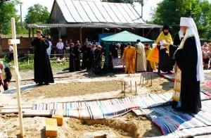 Агафангел освятил место под строительство храма