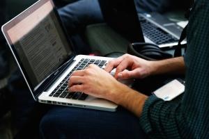 Створено онлайн-реєстр осіб, що підлягають люстрації