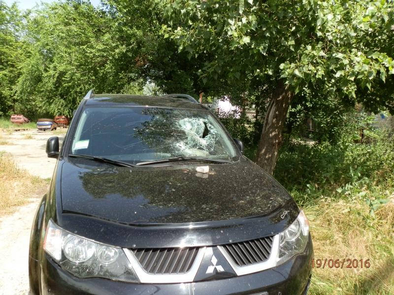 «Защитник» в состоянии подпития разбил стекла двух машин