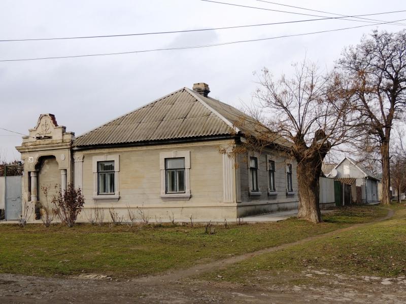 На углу Бурлаченко и Папанина