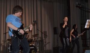 Молодёжи подарили в День студента рок-концерт!