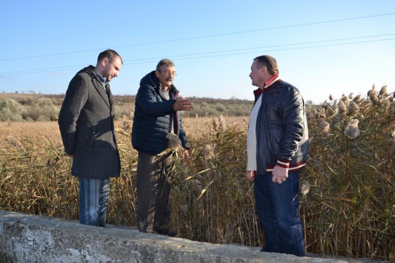 Одесские специалисты осмотрели погибающее озеро Сафьяны