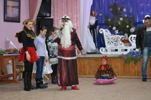 Новогодние забавы для детей пограничников