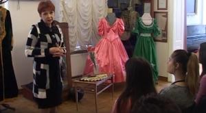 О дамских нарядах в музее... военной истории
