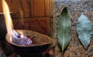 Подожгите лавровый лист в своём доме!