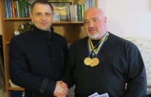 Священник-силач Виктор Кочмарь абсолютный чемпион