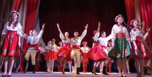 Из песен и танцев таланты района сплетали прекрасный весенний венок...