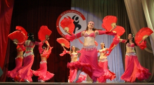 Водоворот танцевальных страстей на сцене местного ДК