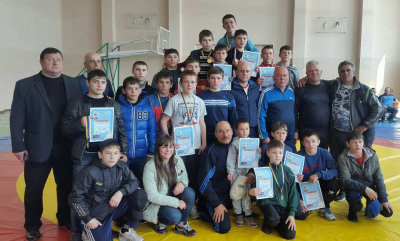В Каменке прошёл международный турнир по вольной борьбе памяти Николая Мындру