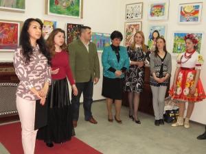 Детское биеннале - праздник фантазии и красок, цвета и света!