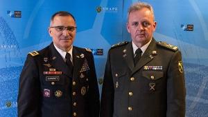 Муженко обсудил со Скапарротти пакет помощи НАТО для Украины