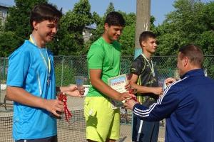 Имена лучших теннисистов определило финальное первенство