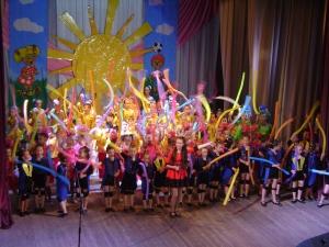 """""""Праздник детства"""": танцы, игры и... воздушный шарик в подарок!"""