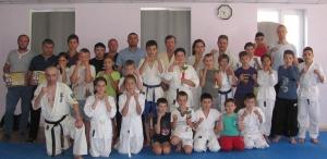 Семинар по каратэ: бойцы получили голубые и оранжевые пояса