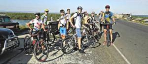 """Измаильские велосипедисты не увидели ни экопарка """"Картал"""", ни водяных буйволов, ни переправы"""