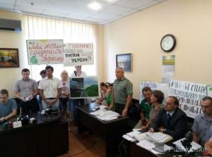 «Война» за «Тарутинскую степь»: Минобороны через суд требует отменить решение облсовета о создании заказника