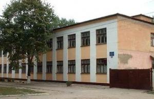 В школе №11 отремонтируют треснувший угол здания
