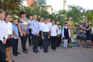 Учащихся школы-интерната в Утконосовке поздравили областные депутаты