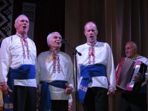 Хор ветеранов ко Дню пожилых людей подарил городу свой творческий вечер