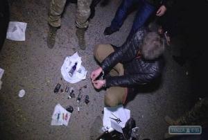 В Одессе военнослужащий изготавливал бомбы на продажу