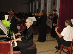 Юбилей Оксаны Крамчаниновой: музыка вокруг, музыка в душе, музыка на сцене!