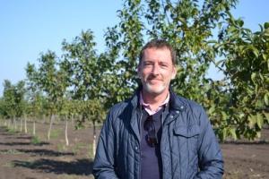 Ведущий ореховод Франции выращивает сад на Измаильщине