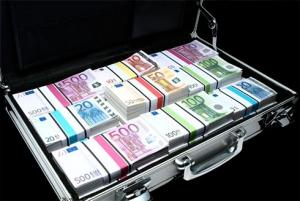 НБУ упростил порядок ввоза валютной наличности в Украину