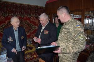 Пограничники Измаильского отряда поздравили с юбилеем ветерана-пограничника