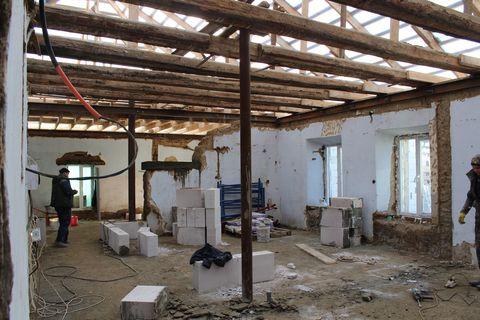 В Сафьянах продолжается реконструкция амбулатории общей практики семейной медицины