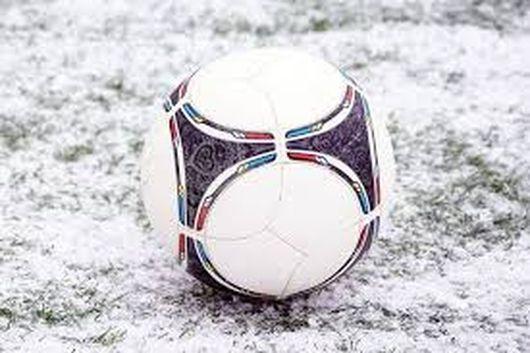 Зимний чемпионат по футболу: определён состав высшей и первой лиг