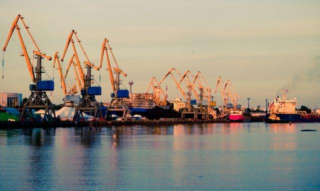 Кабмин согласовал снижение ставок портовых сборов на 20%