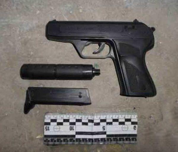 Пистолет игрушечный – срок настоящий