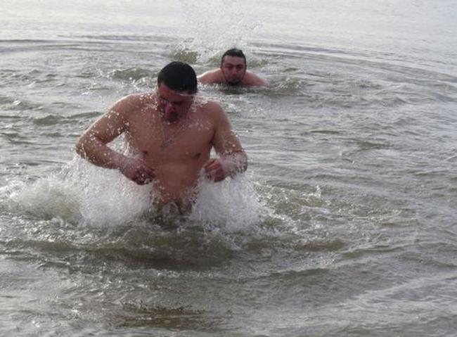 Крещенские купания на Дунае или в купели - как душа попросит, главное, чтобы с молитвой!