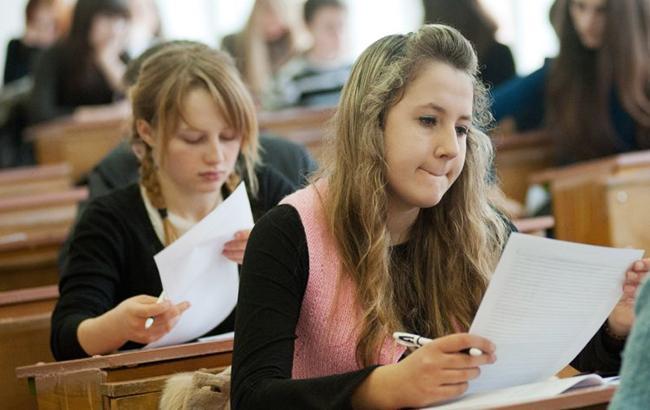 МОН не позволяет вузам обучать студентов дистанционно