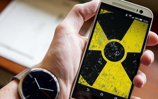 Стало известно, какие смартфоны фонят радиацией
