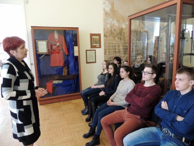 Студентам – о «Роменской мадонне»