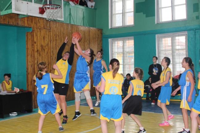В Измаиле проходит баскетбольный турнир памяти Исаака Бурды