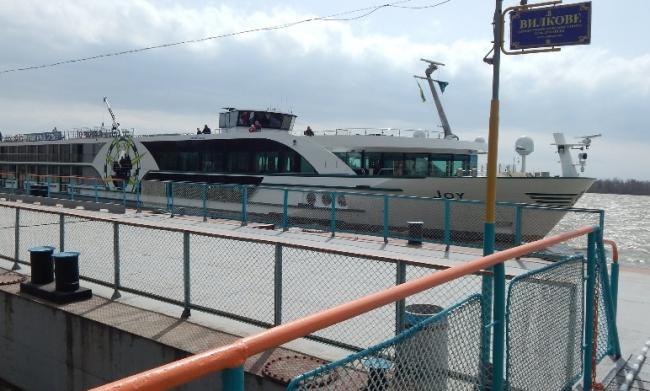 Швейцарское круизное судно открыло сезон в Усть-Дунайском