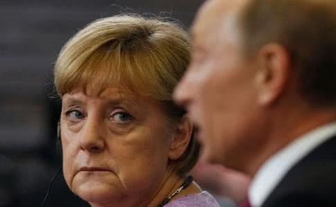 Меркель обсудила с Путиным введение миротворцев ООН на Донбасс