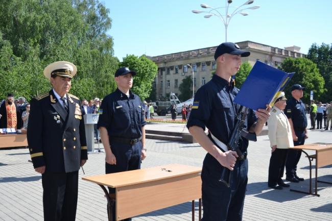 В Измаиле моряки-пограничники срочной службы присягнули на верность украинскому народу