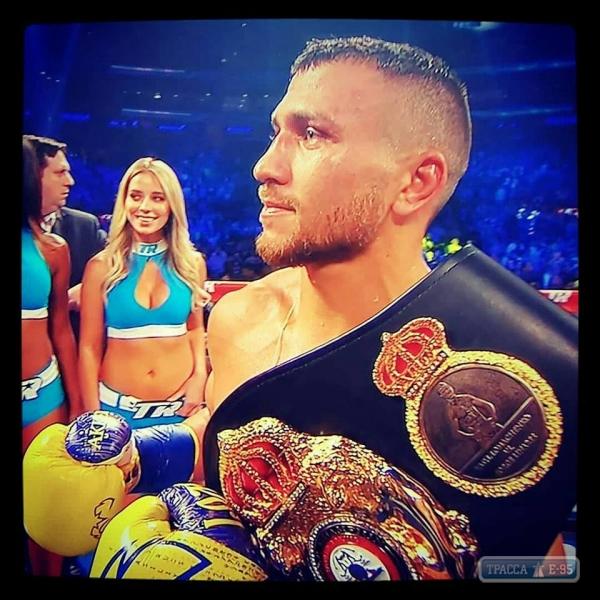 Известный боксер из Одесской области отобрал титул чемпиона мира в лёгком весе у венесуэльца