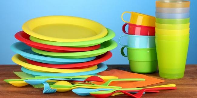 В Европе запретят использование пластиковой посуды