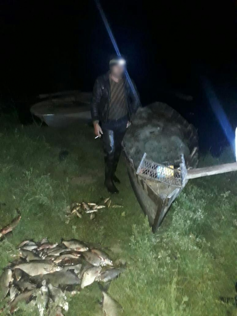 Одесский рыбоохранный патруль задержал нарушителя, выловившего 140 рыб