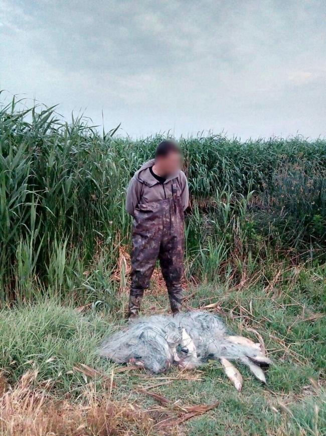 В Одесской области задержан браконьер, который выловил 25 кг леща