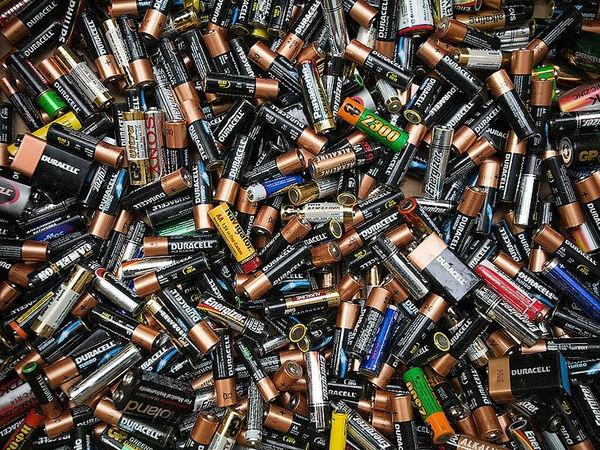 Проект Европейского Союза помог Украине разработать законы об утилизации электронных отходов и батареек