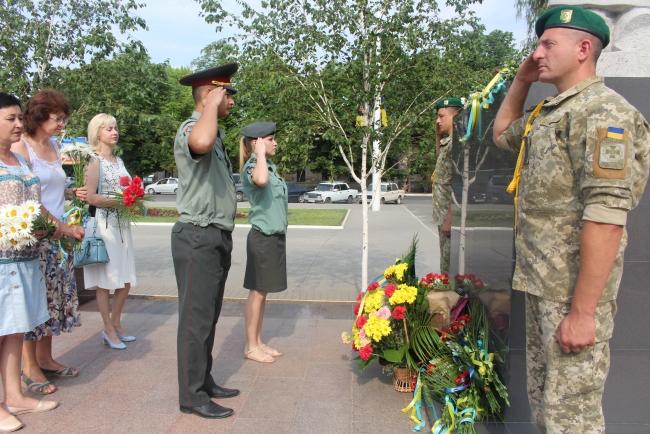 В День скорби - цветы павшим на фронтах Второй мировой